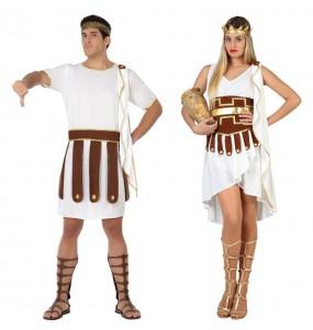L'originale e divertente coppia di Greci per travestirsi con il proprio compagno