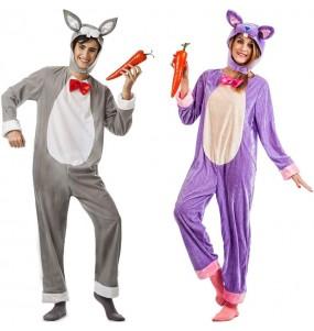 L'originale e divertente coppia di Conigli di foresta per travestirsi con il proprio compagno