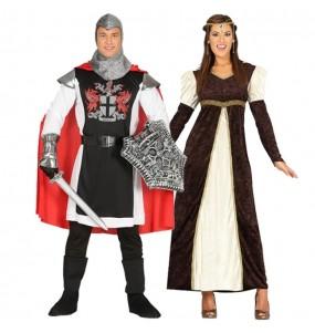 L'originale e divertente coppia di Templare medievale e Principessa corte per travestirsi con il proprio compagno