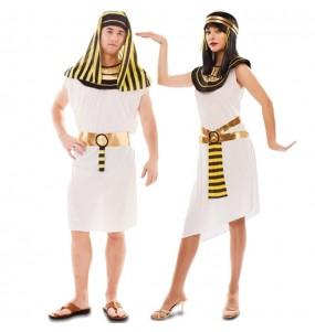 L'originale e divertente coppia di Egiziani del Cairo per travestirsi con il proprio compagno